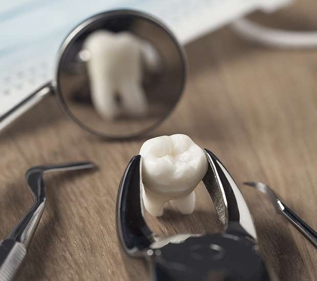 Honolulu When Is a Tooth Extraction Necessary